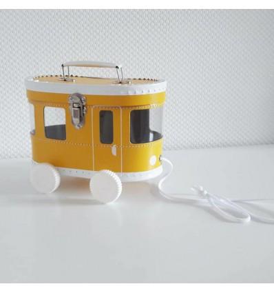 Tramway à tirer jaune
