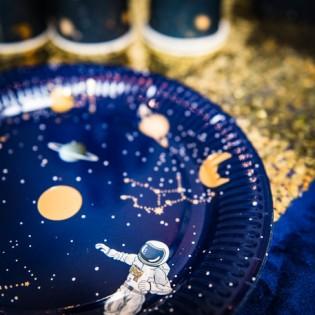 8 assiettes en carton Astronaute