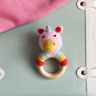 Hochet Licorne en crochet - Global Affairs